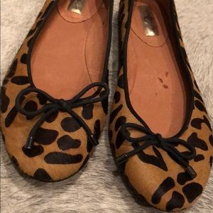 Halogen leopard fur flats